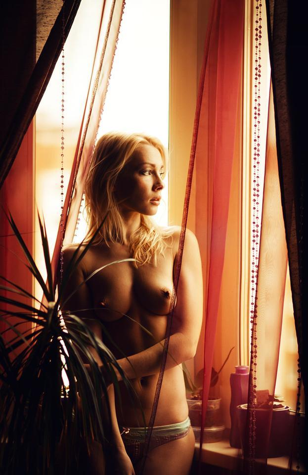Window.C девушка, портрет, ню, окно
