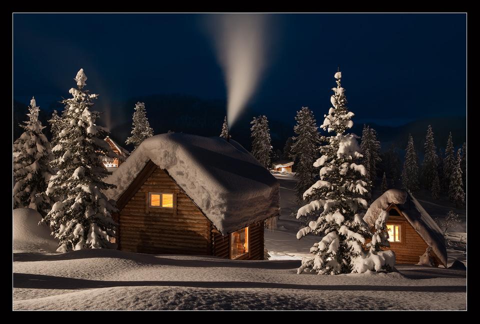 *** НОВОГОДНЯЯ СКАЗКА *** Сибирь. Саяны, Ергаки, зима, Новый Год, Рождество, сказка, вечер, ели, кедры, лесная избушка, пейзаж.