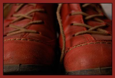 in red туфли кроссоффки ботинки