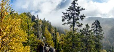 Золото Таганая природный парк Таганай Южный Урал Средний Золотая осень горы облака