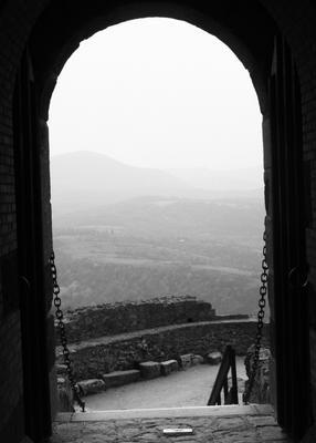 ### крепость арка горы замок ворота цепь камень