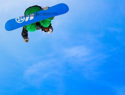 13-число, наплевать на суеверия доска, снег, полет, прыжок, мастерство, горы, позитив, риск, солнце, хорошее, настроение, сноуборд