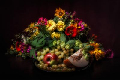 Августовский натюрморт - 2. лето натюрморт цветы фрукты