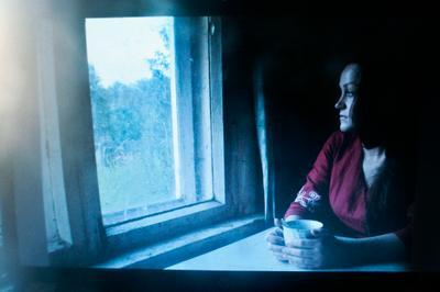 *** ностальгия дом деревня окно девушка