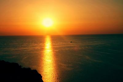 одиночество в закате закат море корабль луч солнце