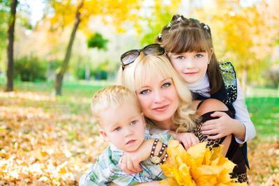 Счастливая мама мама осень семья любовь дети family love autumn