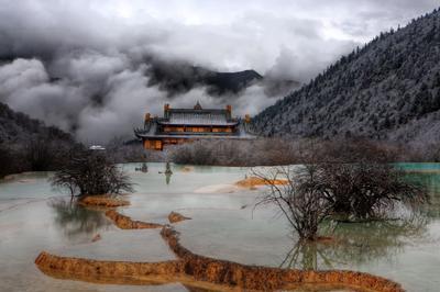 3570 м над уровнем моря. Облачная голова ДРАКОНА China