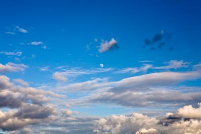 Дневная луна небо, луна