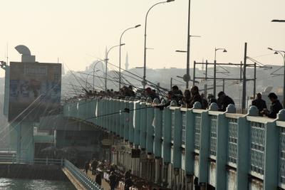 Стамбульские зарисовки Стамбул рыбаки галатский мост зима