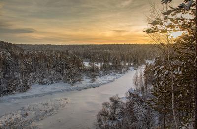Перед закатом Зима Скала Светлая Закат река Серга Природный парк Оленьи Ручьи деревья лес Свердловская Область