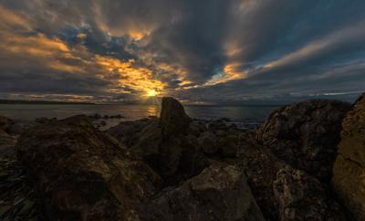 Закат море вечер закат облака бухта пейзаж