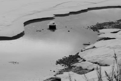Шляпа шляпа изо льда полынья снежный берег