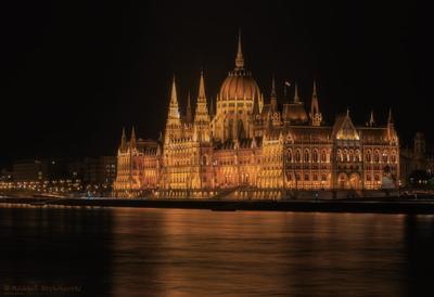 Ночной Будапешт. город река парламент