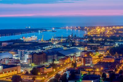 Морские ворота Клайпеда порт вечер