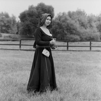женщина с крынкой portrait