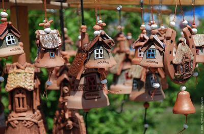 Солнечный перезвон колокольчики глиняные