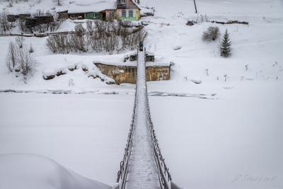 Подвесной мост Урал туризм снег река природа поселок Пермский_край пейзаж Койва зима мост
