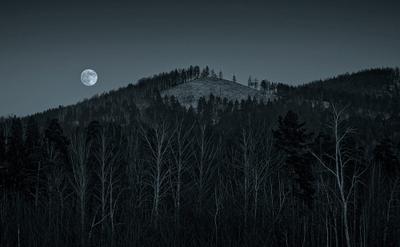 Восход луны на Лысой горе