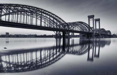 Финляндский железнодорожный мост Санкт Петербург Мост Вечер Нева ЧБ