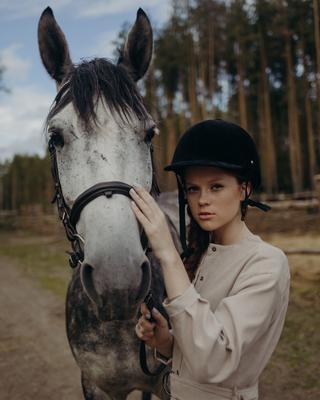 Бунчук Фотограф фотосессия лошадь девушка модель природа