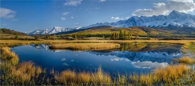 Осень в урочище Ештыкёль. Алтай Ештыкёль Джангысколь озеро осень отражение горы Северо-Чуйский хребет