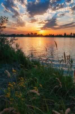 закат над озером VI озеро голубое Днепр Украина закат облака отражение песок камыши вода лучи