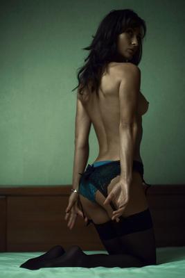 ..... девушка, голая, но, бельё, спина, кровать.