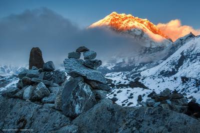 Великолепная магия гор непал гималаи горы небо облака каникулы туризм природа сибирское_путешествие nepal himalayas mountains sky clouds culture holiday nature siberiantrip_ru