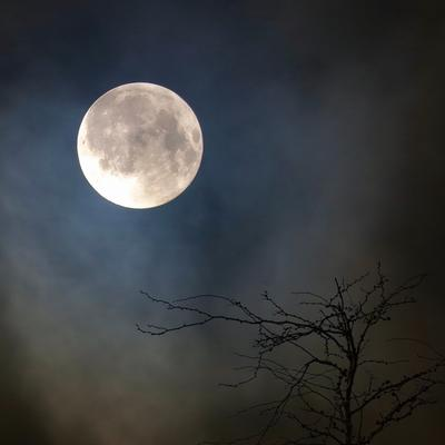 ***пейзаж с луной. Луна пейзаж с луной облачное небо