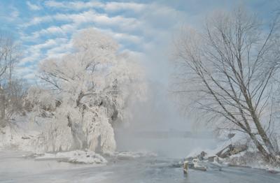 Мороз и солнце, день чудесный мороз солнце облака снег перья река Листвянка