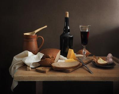 Хлеб,  сыр, вино Хлеб сыр вино