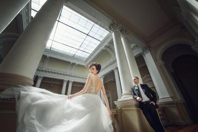 Her charming beauty wedding Rostyslav_Kostenko bride groom lovestory weddingdress весільнийфотограф весільнафотосесія weddingphoto weddingphotographer kostenko.com.ua