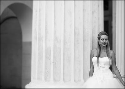 """""""Никуда он от меня не денется"""" ...  Свадьба невеста колонна"""