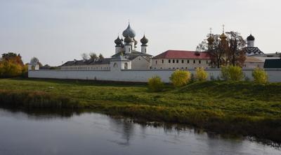 *Тихвинский Успенский монастырь*