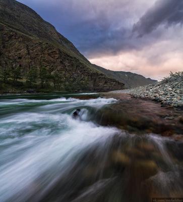 Чулышман Алтай пейзаж Россия длинная выдержка река природа скала камень горы панорама
