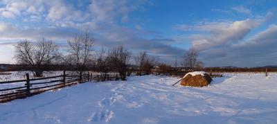 Радостный денёк Южный Урал зима стог горы