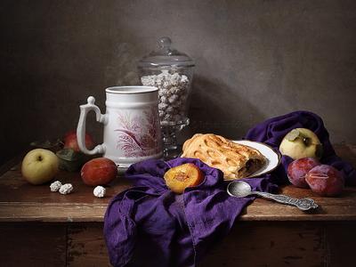 Чай натюрморт чай сливы пирог яблоки