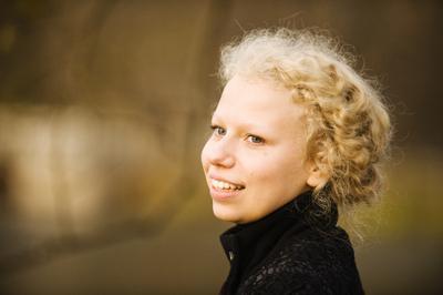 Маша портрет девушка Маша Москва ВДНХ осень