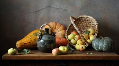 С тыквами и яблоками яблоки тыква корзина бутылка керамика фрукты