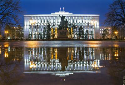 Правительство Ростовской области ростов ростов-на-дону город архитектура отражение дождь вода улица вечер