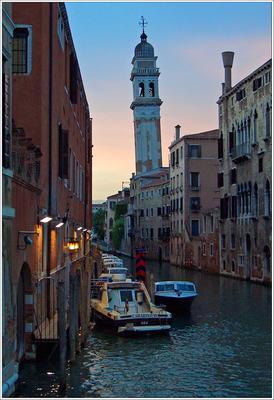 Угол наклона Италия Венеция вечер