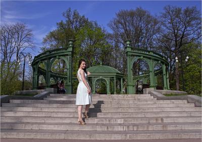 В Останкинском парке девушка лето парк