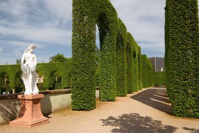 парковая геометрия весна парк архитектура история Шветцинген Германия дизайн