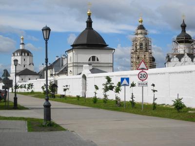 Свияжск город-остров. *** Свияжск монастырь дорога фонари
