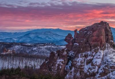 Огненный закат Болгария пейзаж породы закат