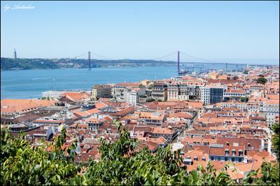 Красные крыши Лиссабона Португалия, Лиссабон, Portugal, Lisbon, крыши, мост