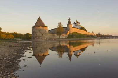 Псковский Кремль псков закат пейзаж отражения кремль осень