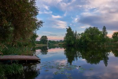 Вечер июня Река закат мостушка вечер