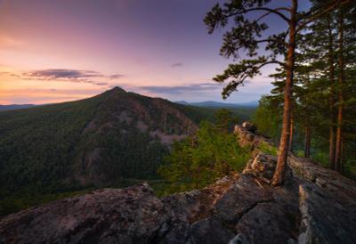 Каменное царство пейзаж закат горы скалы Айгир Южный Урал деревья