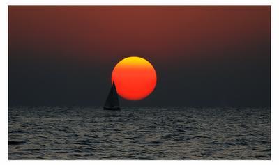 Лаконизм восприятия Море яхта восход